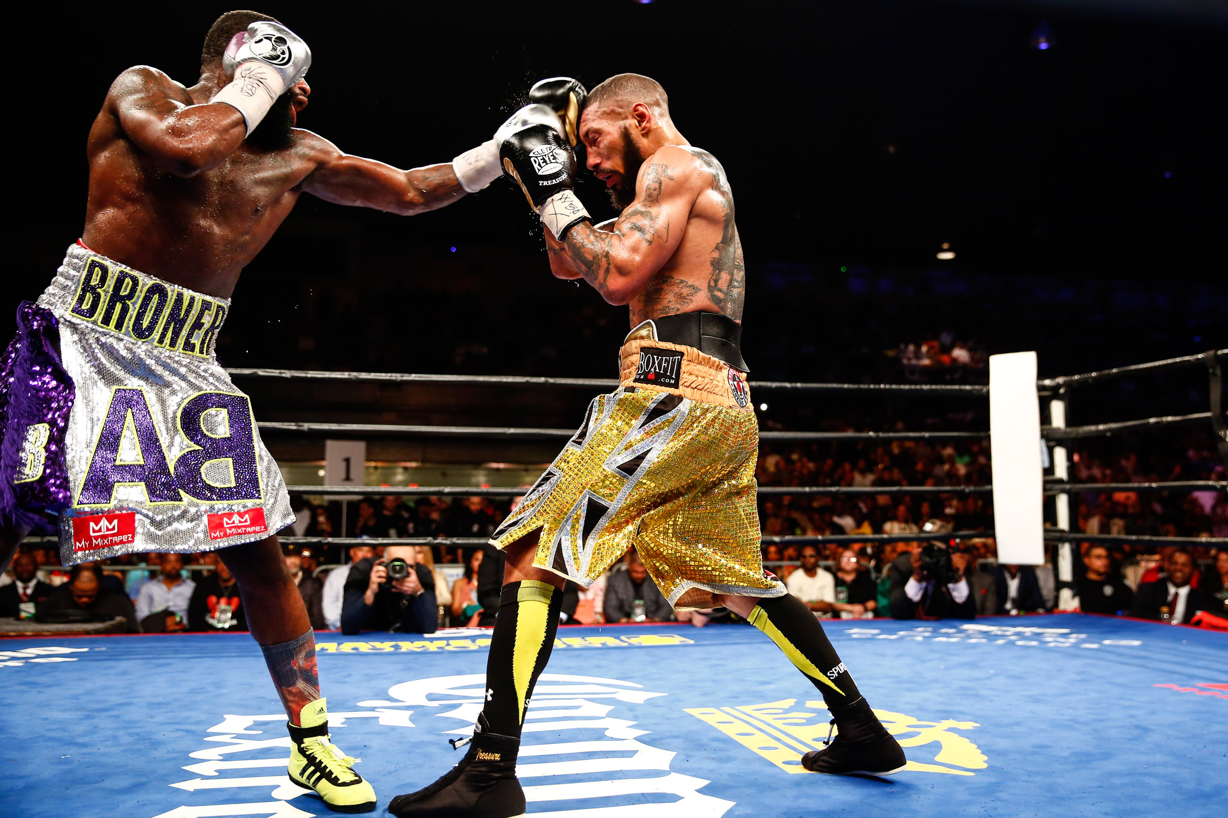 LR_FIGHT NIGHT-BRONER vs THEOPHANE-04012016-8539.jpg