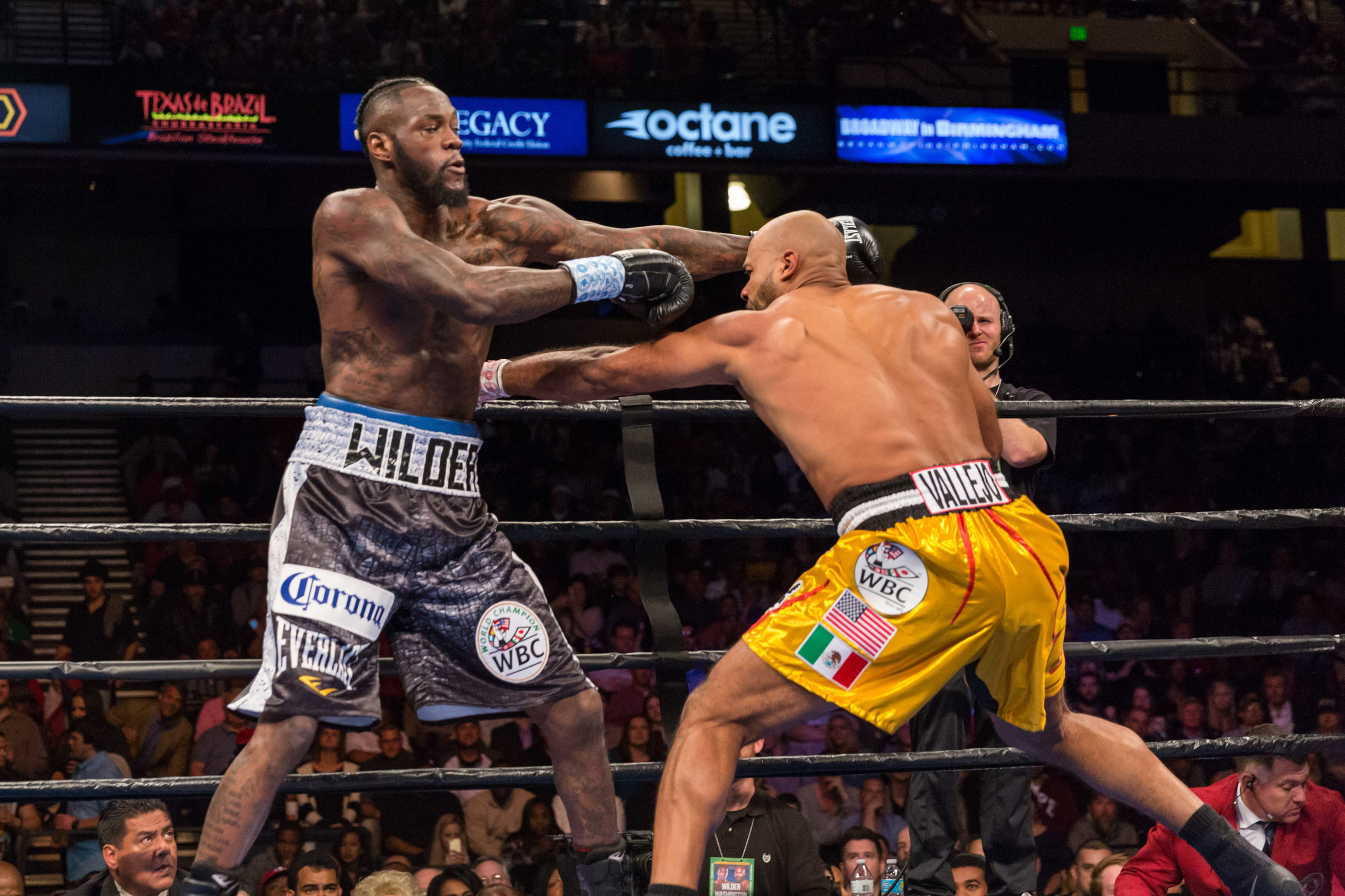 Deontay Wilder vs Gerald Washington - February 25_ 2017_02_25_2017_Fight_Ryan Hafey _ Premier Boxing Champions4.jpg