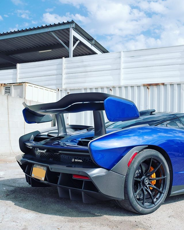 🔪 . . . #mclaren #mclarensenna #senna #booty #backitup #maximumdownforce