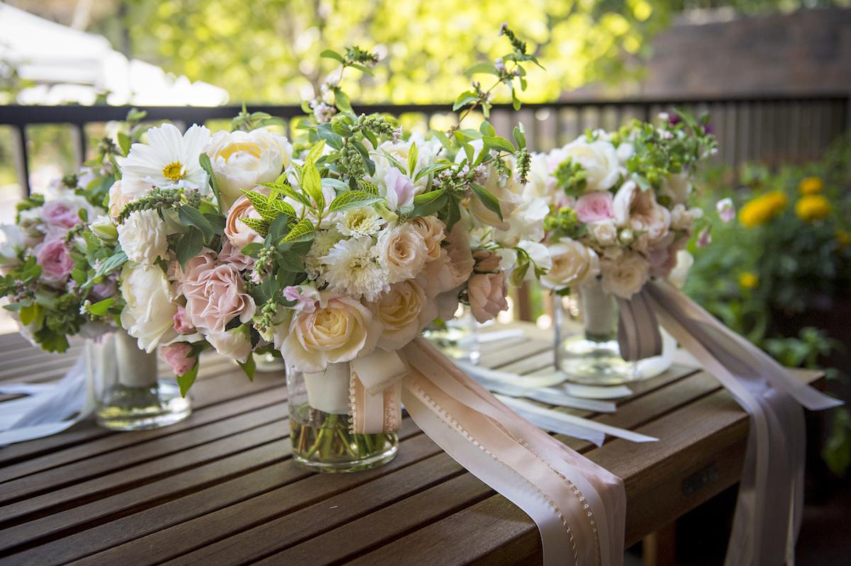 Heirloom Floral Design - Bend Weddings - Flowers to Hold Broken Top club Sherman wedding.jpg