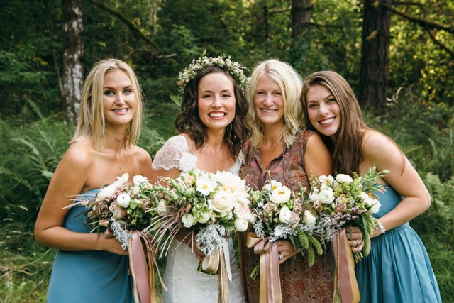 Heirloom Floral Design - Bend Weddings - Flowers to Hold Destination wedding Eugene .jpeg