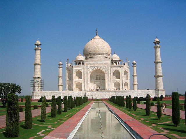 Taj Mahal. Copyright: Nathan Jones on flickr ( CC BY-NC 2.0 )