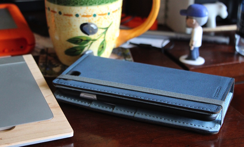 DODOcase Lorna iPhone Wallet Case. Photo ©2015, Steven Sande. All Rights Reserved.