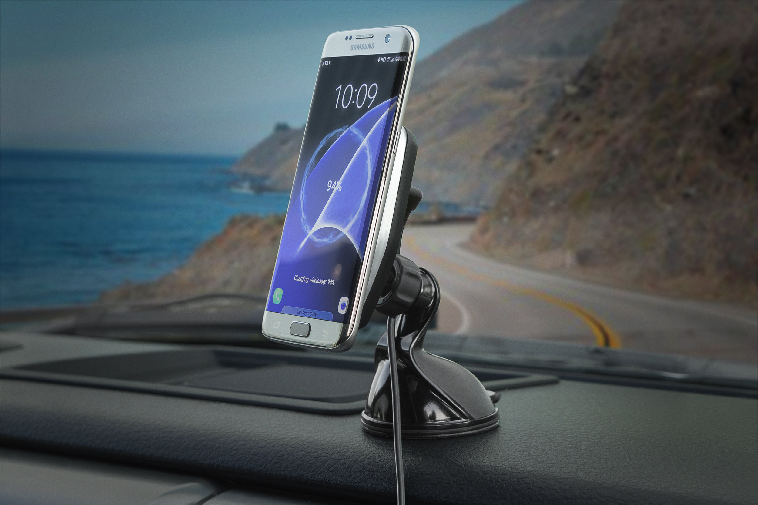 MagicMount CHARGE (MPQWD) for vehicles, unfortunately shown with a Samsung phone