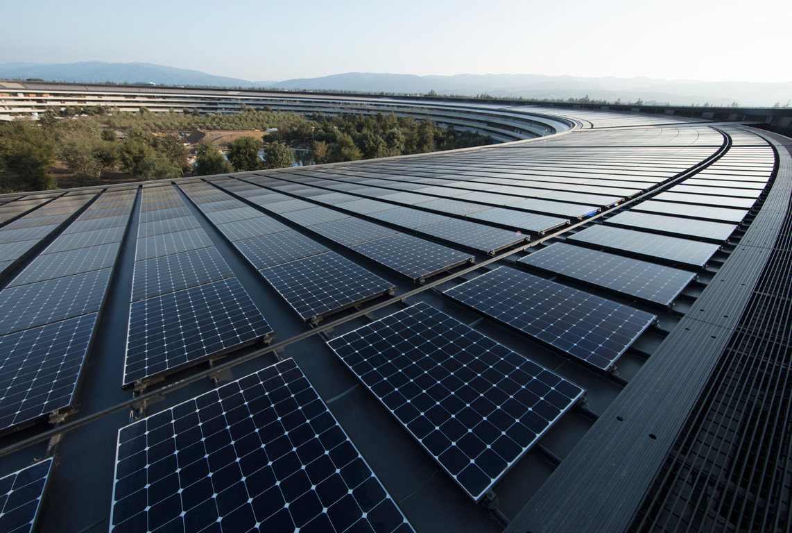 17 megawatts of onsite rooftop solar installation power Apple's new headquarters in Cupertino, CA. Image via Apple.