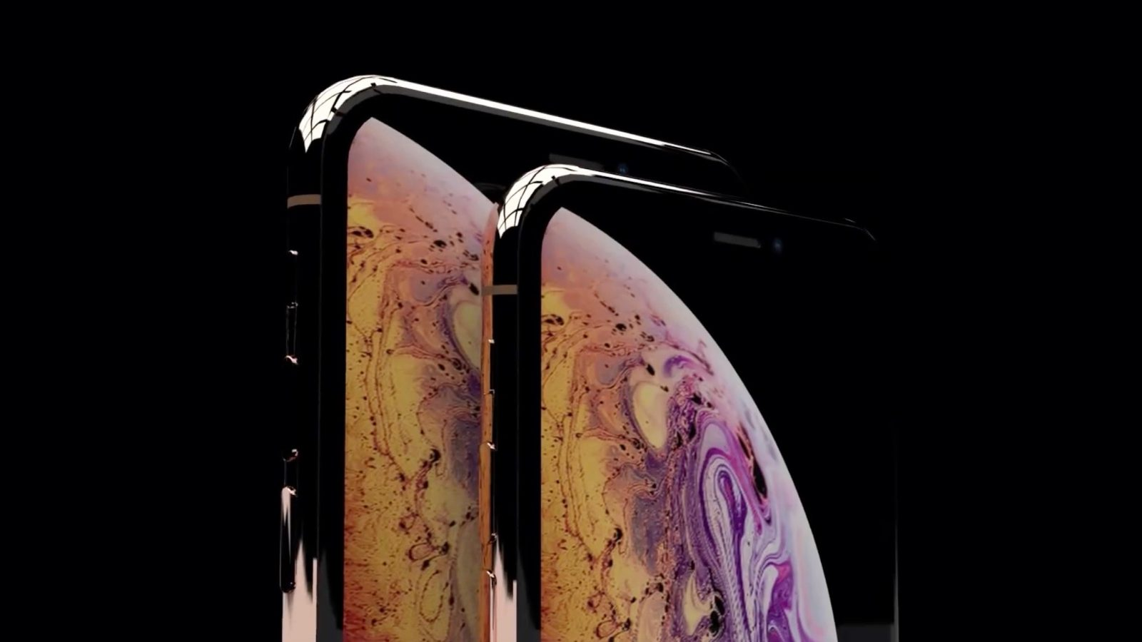 The alleged iPhone XS Plus (left) and iPhone XS (right)