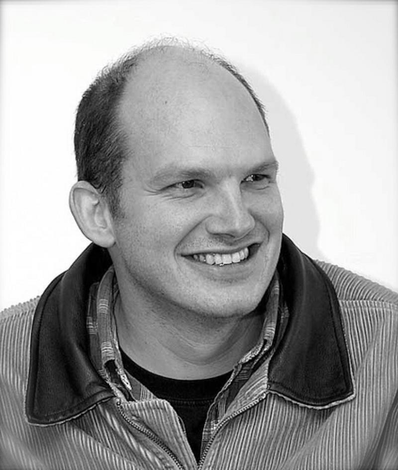 Man who once headed Apple's Siri development team heads to Microsoft