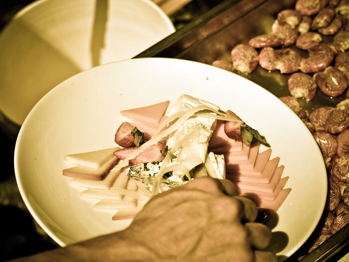 custom-catering-on-ocean-charter-tofino-bc.jpg