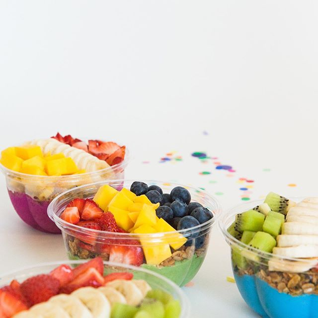 Looking for something new instead of bagels for breakfast in the office? Ready to throw a summer party in this ☀️? Have Amazebowls at your next party or gathering! Send us a DM if you want Amazebowls to cater your next event, and we'll send you something special 🤓!
