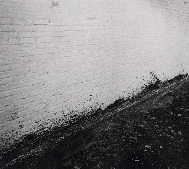 Splashing. Richard Serra, 1968.