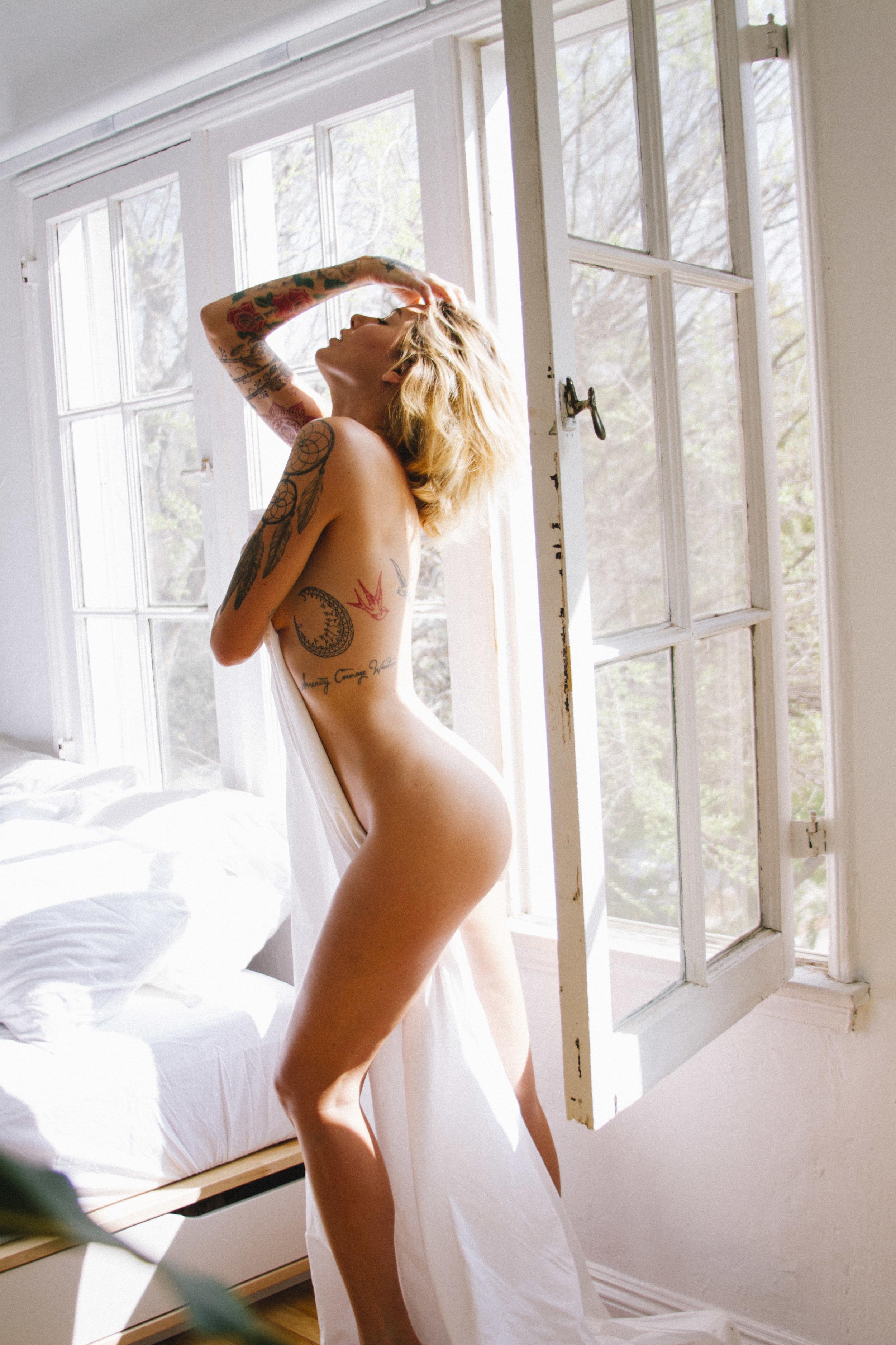 Miss Tina Louise shot by Genaro