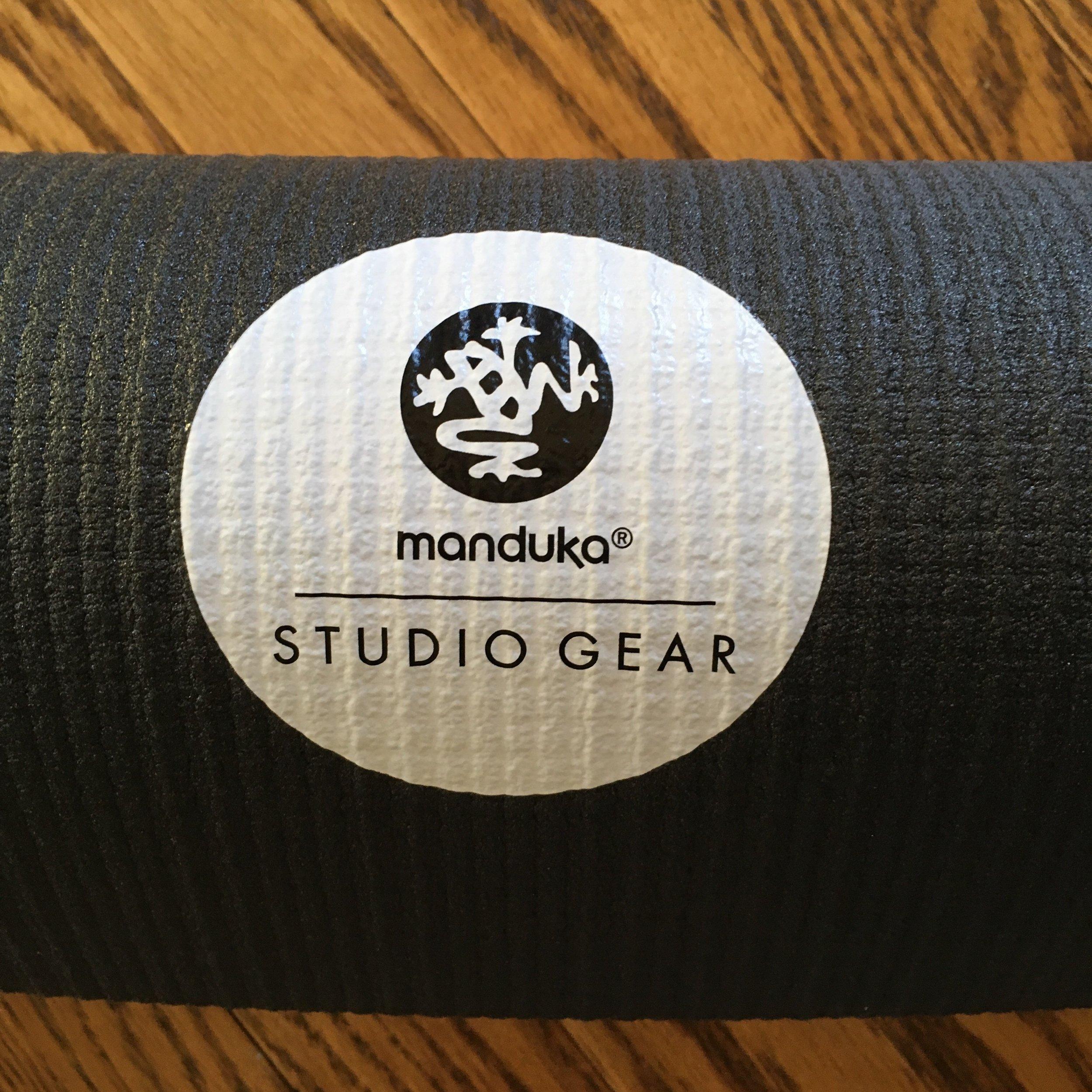 Manduka-BlkPROlite_YogaMat2.jpg