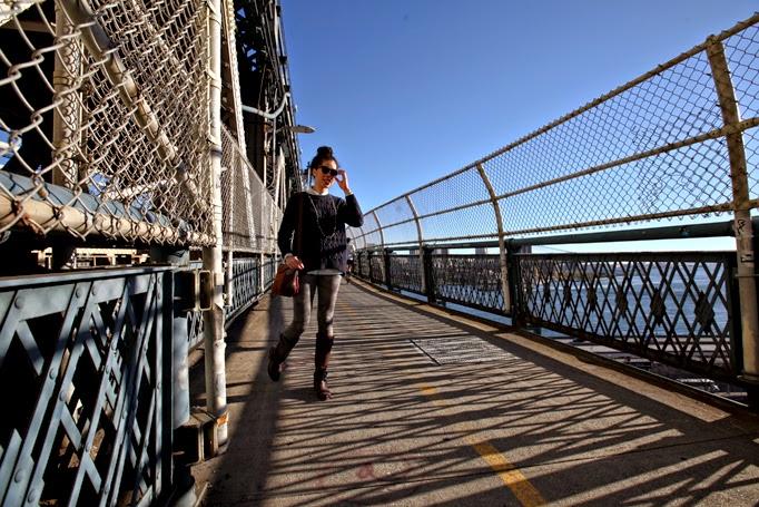 ManhattanBridge-CapwellCo-FallStyle-NYC-Cameo-Leggings-0003.jpg