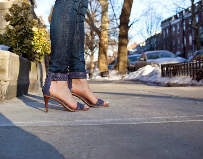 strappy_heels_with_jeans_joes_review_outfit.jpg