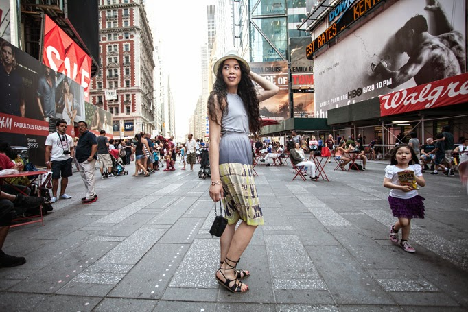 Times_Square_thestyleboro_midi_dress_nyc_streetstyle_gypsy05_aritzia_Madewell_sightseer_sandal_la_soula_spring_summer_fashion_0005.jpg