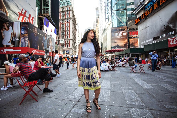 Times_Square_thestyleboro_midi_dress_nyc_streetstyle_gypsy05_aritzia_Madewell_sightseer_sandal_la_soula_spring_summer_fashion_0006.jpg