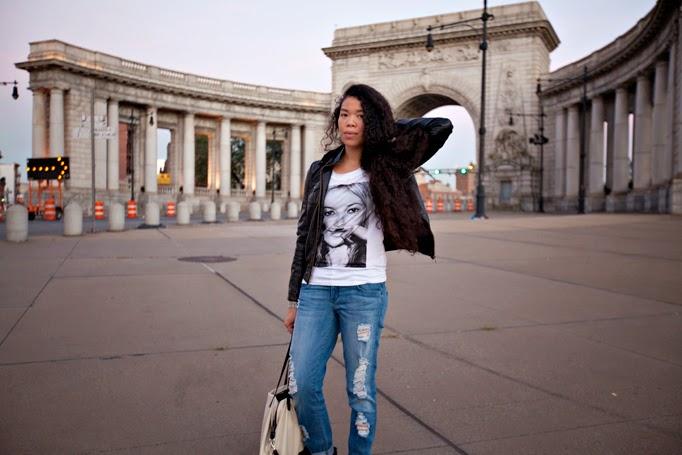TheStyleBoro_OffDuty_Model_Style_NYC_Fashion_Blog_Outfit_KateMoss_tshirt_ElevenParis_curlyhair_ManhattanBridge_0014.jpg
