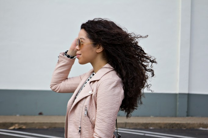 best_curly_hair_spring_styles_blogger.jpg