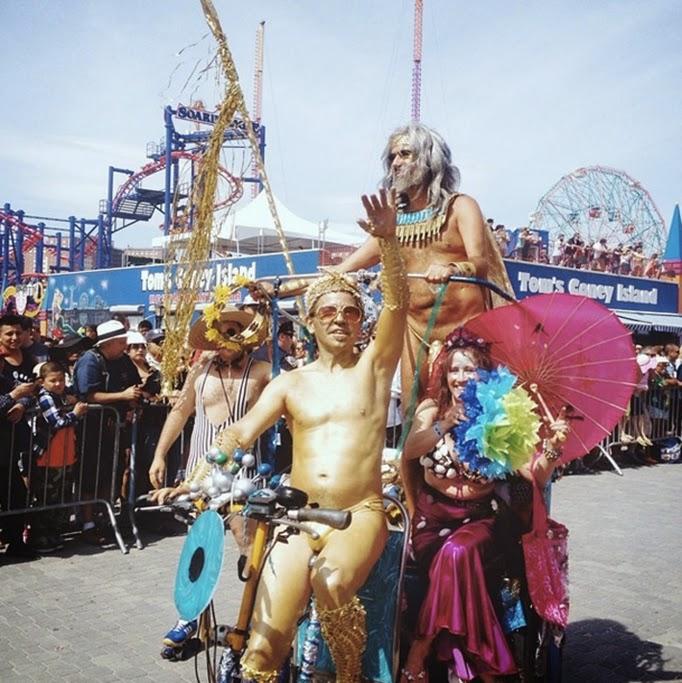 ConeyIsland_Mermaid_Parade_thestyleboro_2014_wolfpack.jpg