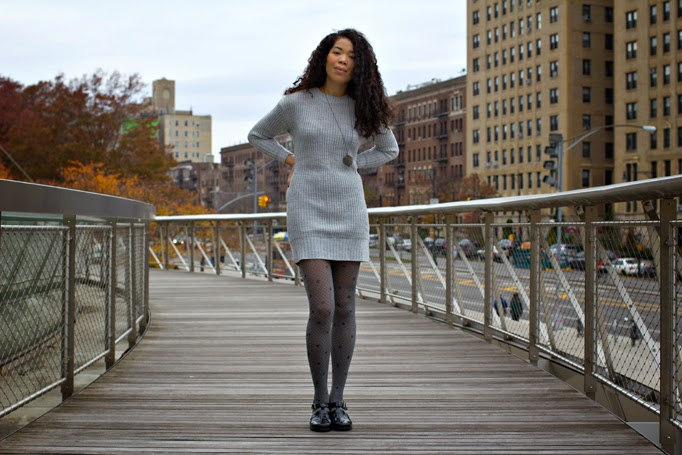 sweater-dress-how-to-wear-jelly-sandals-jellies-fall-winter-cold.jpg