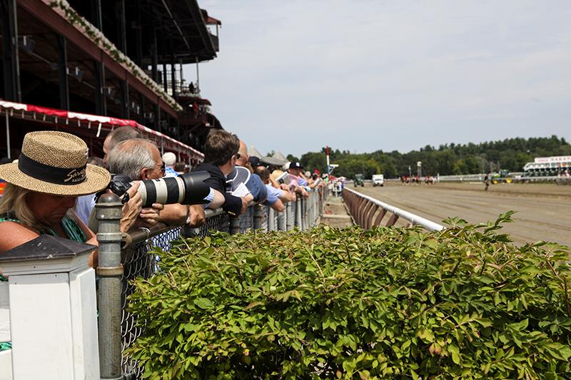 saratoga_racetrack_spectators.jpg