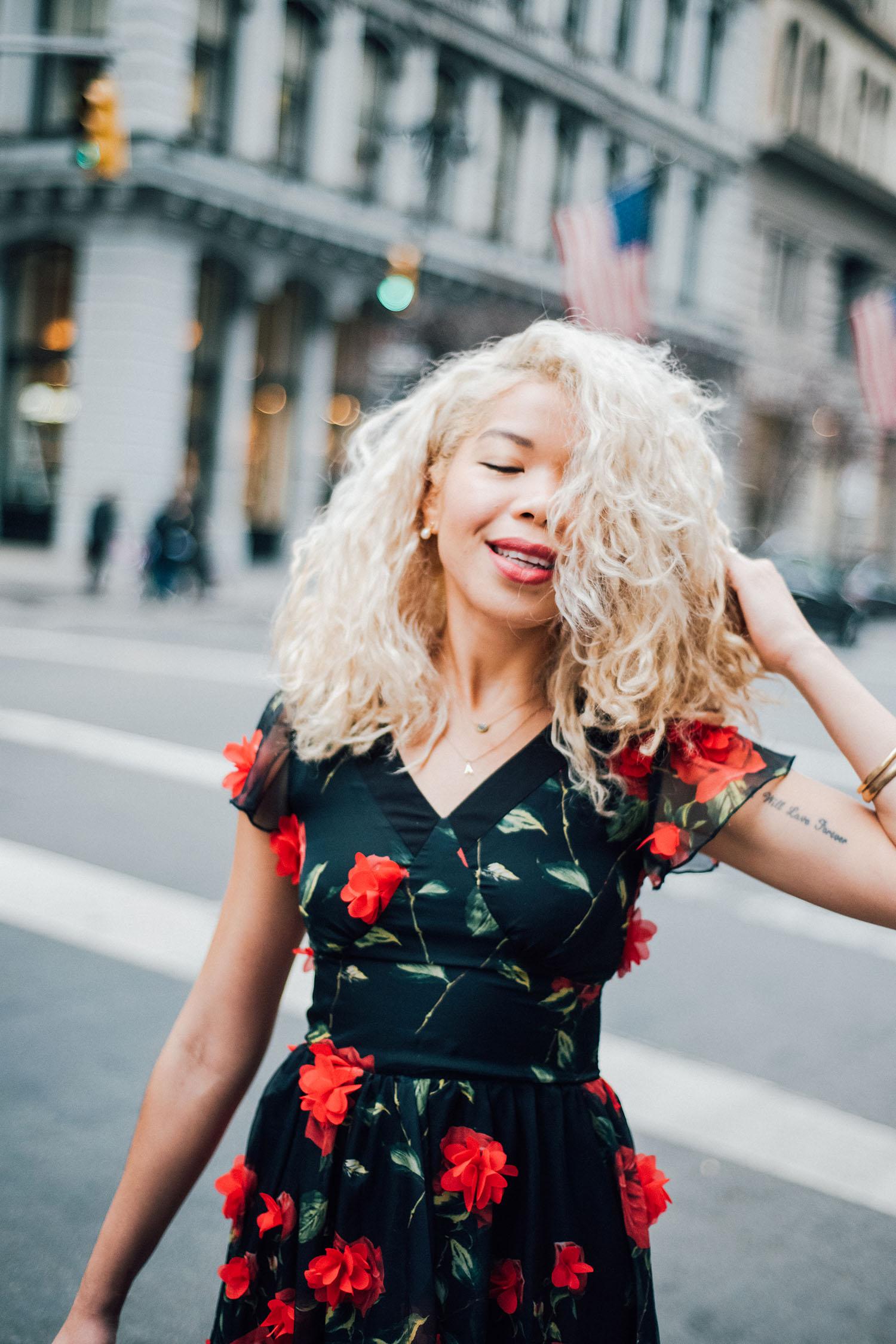 curly-hair-blonde-hair-inspiration-fox-and-jane.jpg