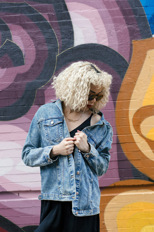oversized-denim-jacket-outfits.jpg