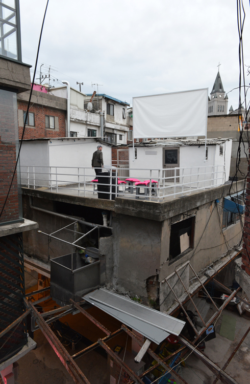 rooftopscreen_16_web.jpg