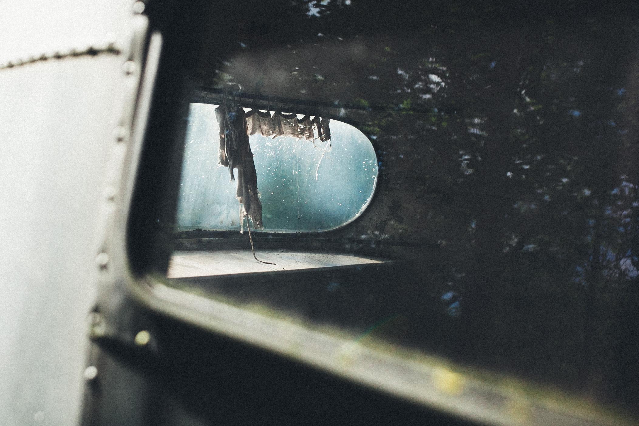 abandoned-airstream-3686.jpg
