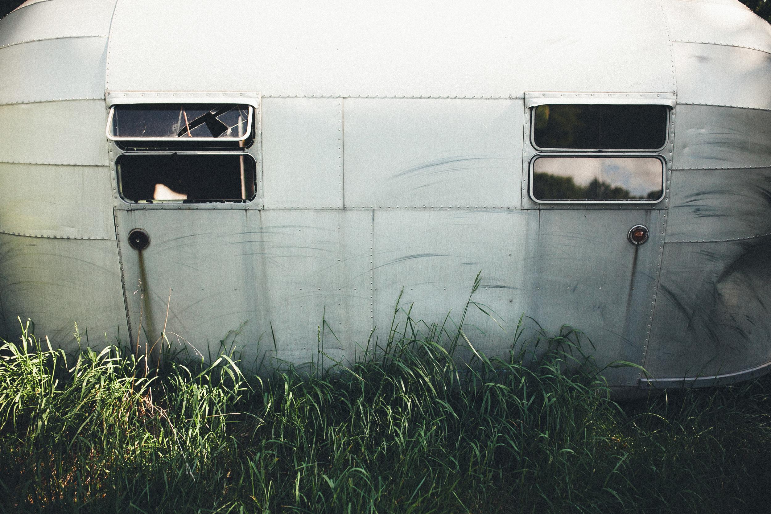 abandoned-airstream-3653.jpg