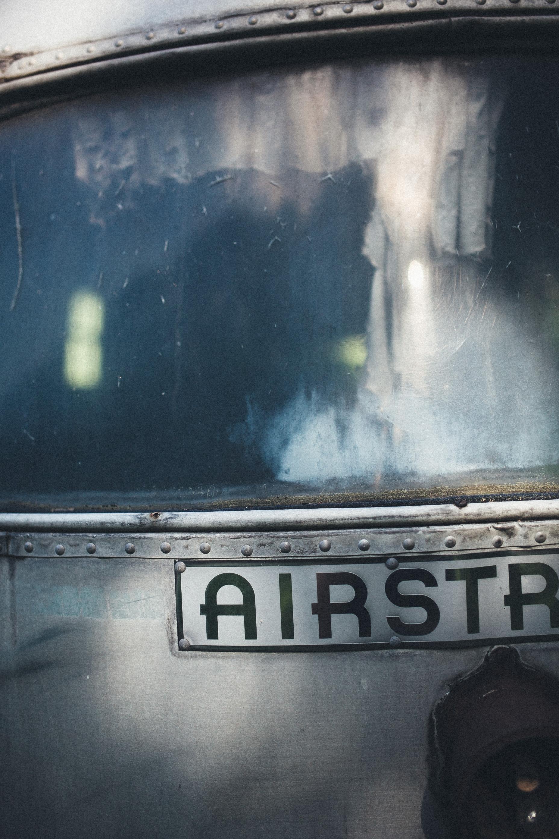 abandoned-airstream-3646.jpg