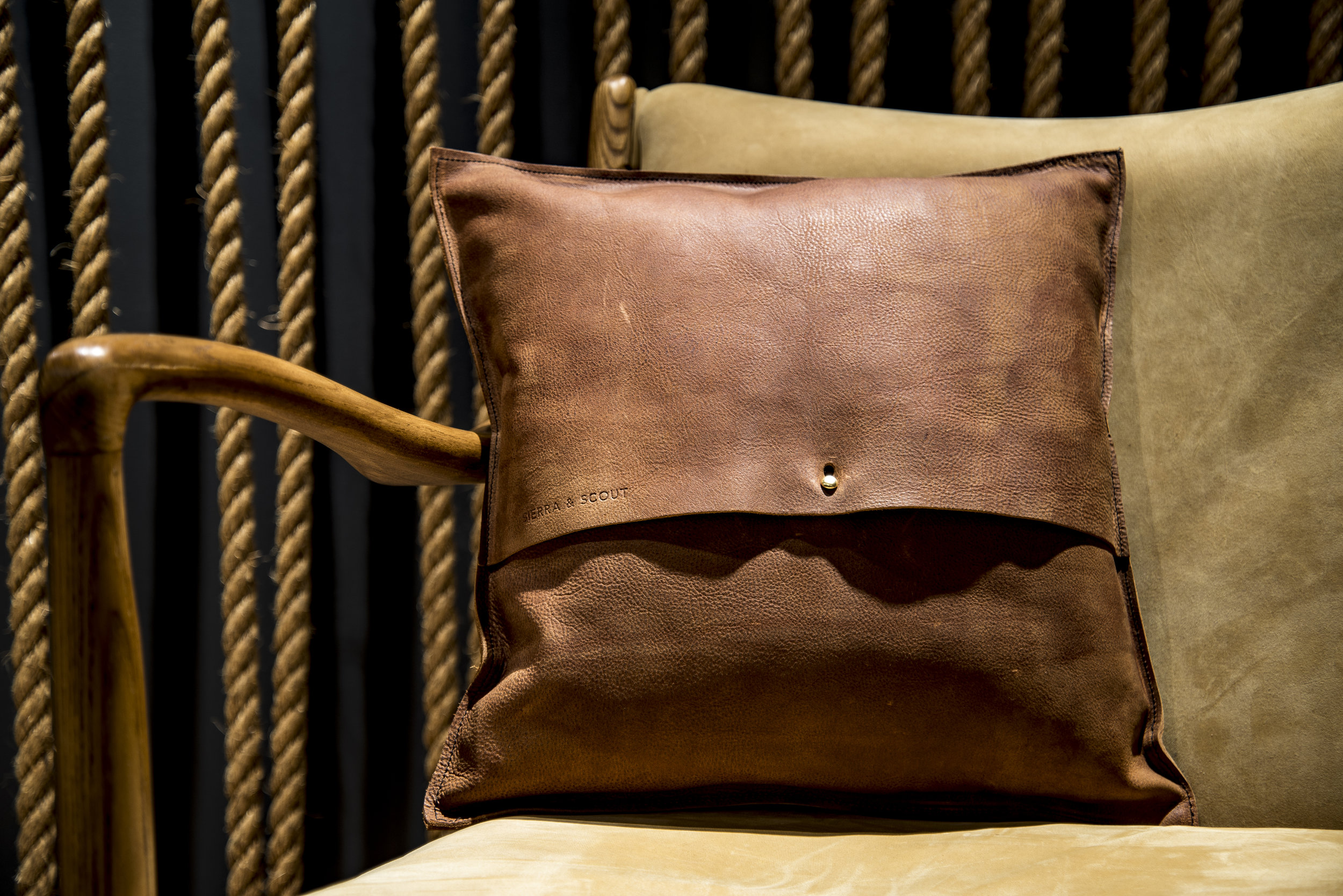 2018-04-14 - Polished Pillow & Belt Shots06.jpg