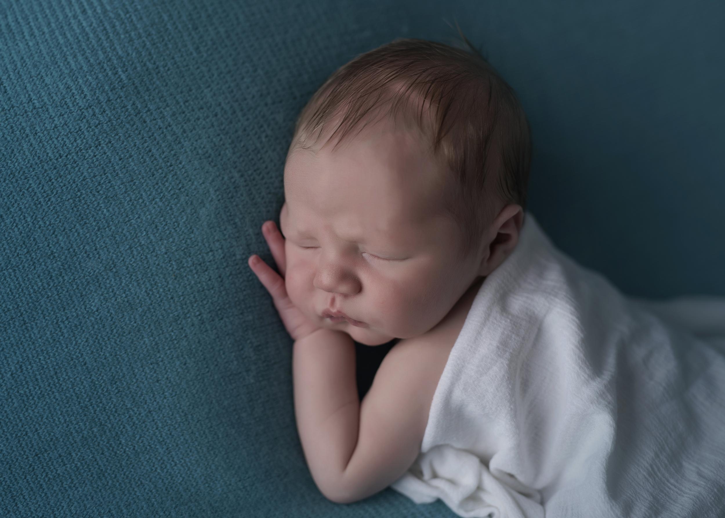 Corbin_Newborn_028.jpg