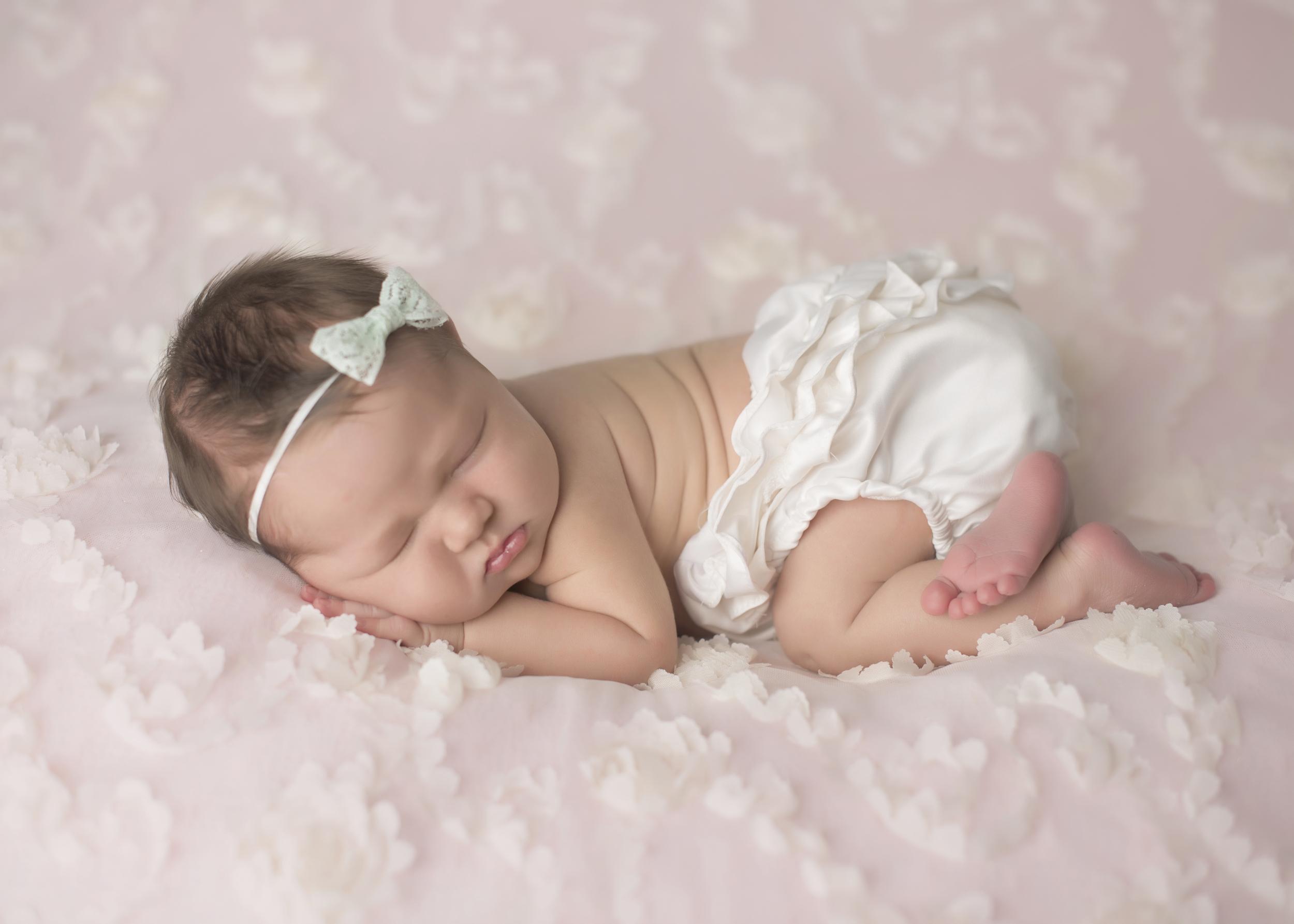 Gwen_Newborn_001.jpg