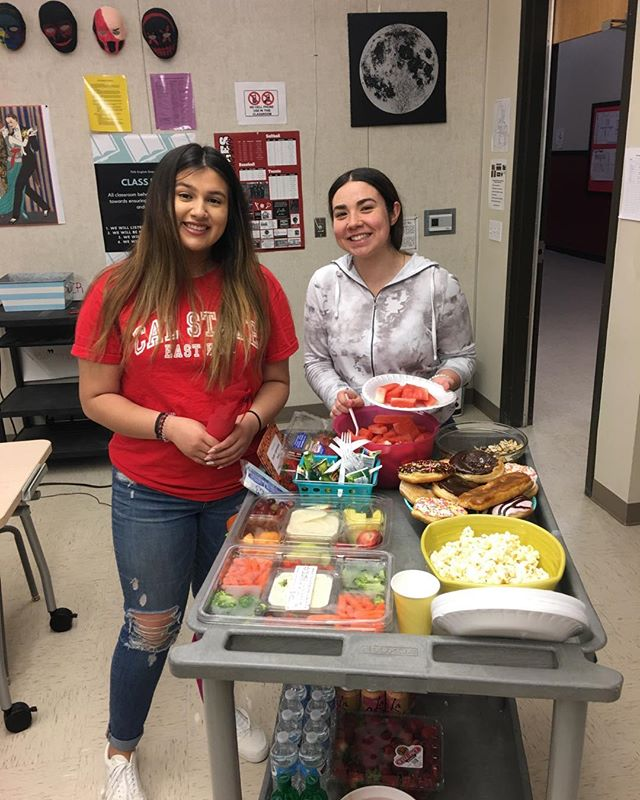 Daysee and Giselle bringing joy to THS for #teacherappreciation week from Leadership class. thanks ladies!!! ©️Taly R