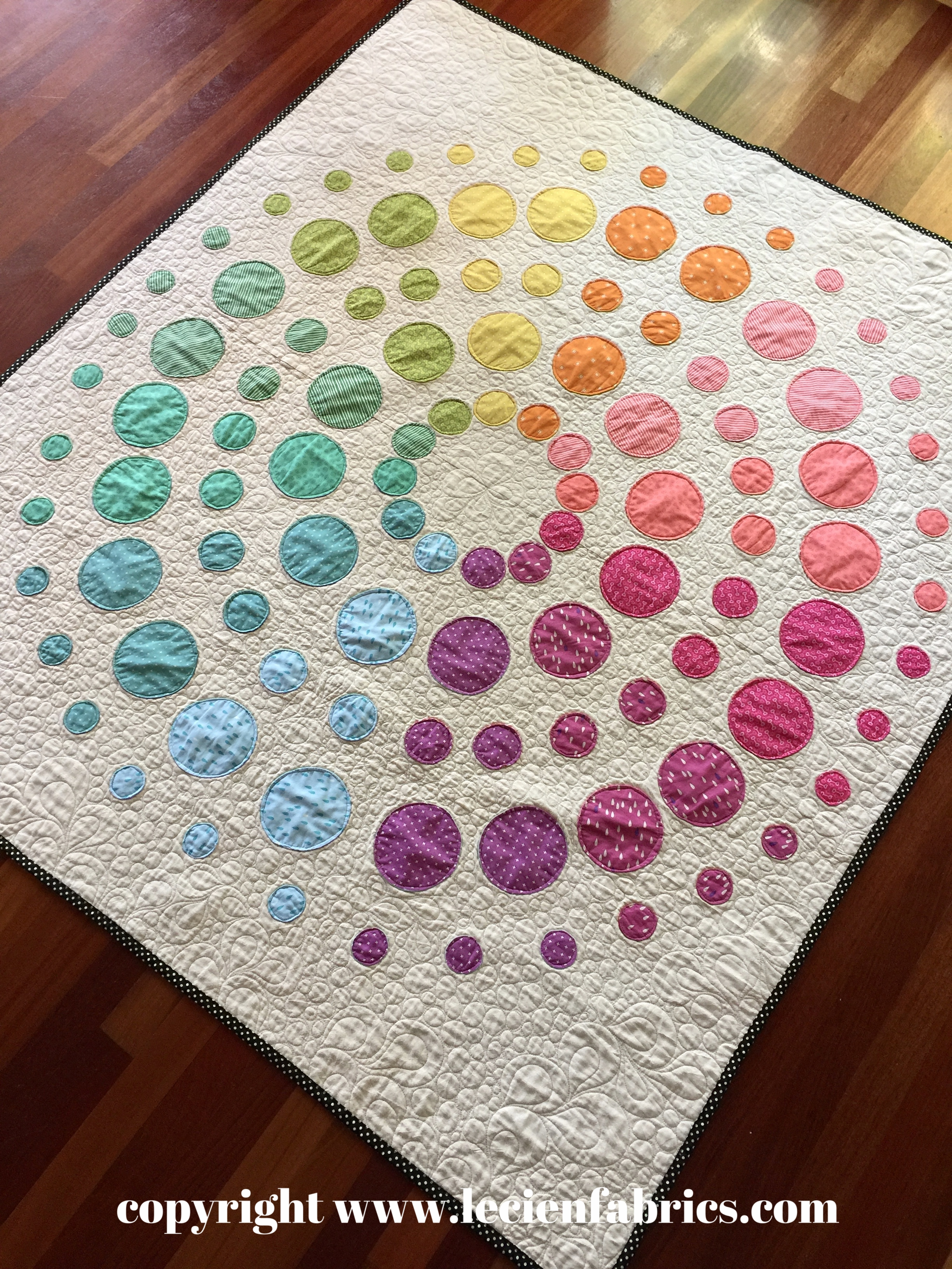 Lecien Free Pattern Fall 2016 - Orb Medallion Quilt by Rebecca Bryan of Bryan House Quilts