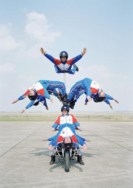 acrobatic-squad-04-1.jpg