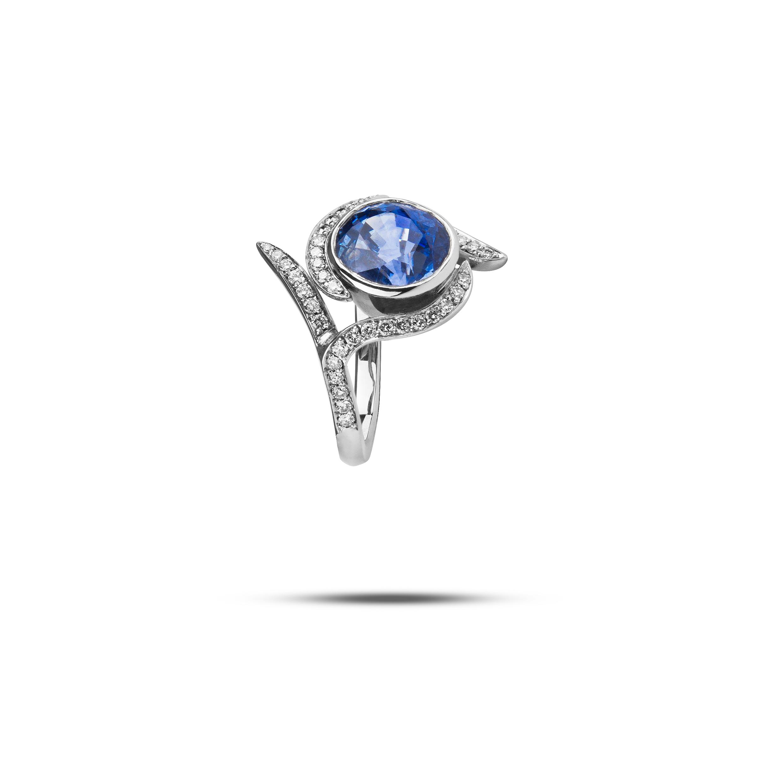 White Gold, Ceylon Sapphire & Diamond  £10,000
