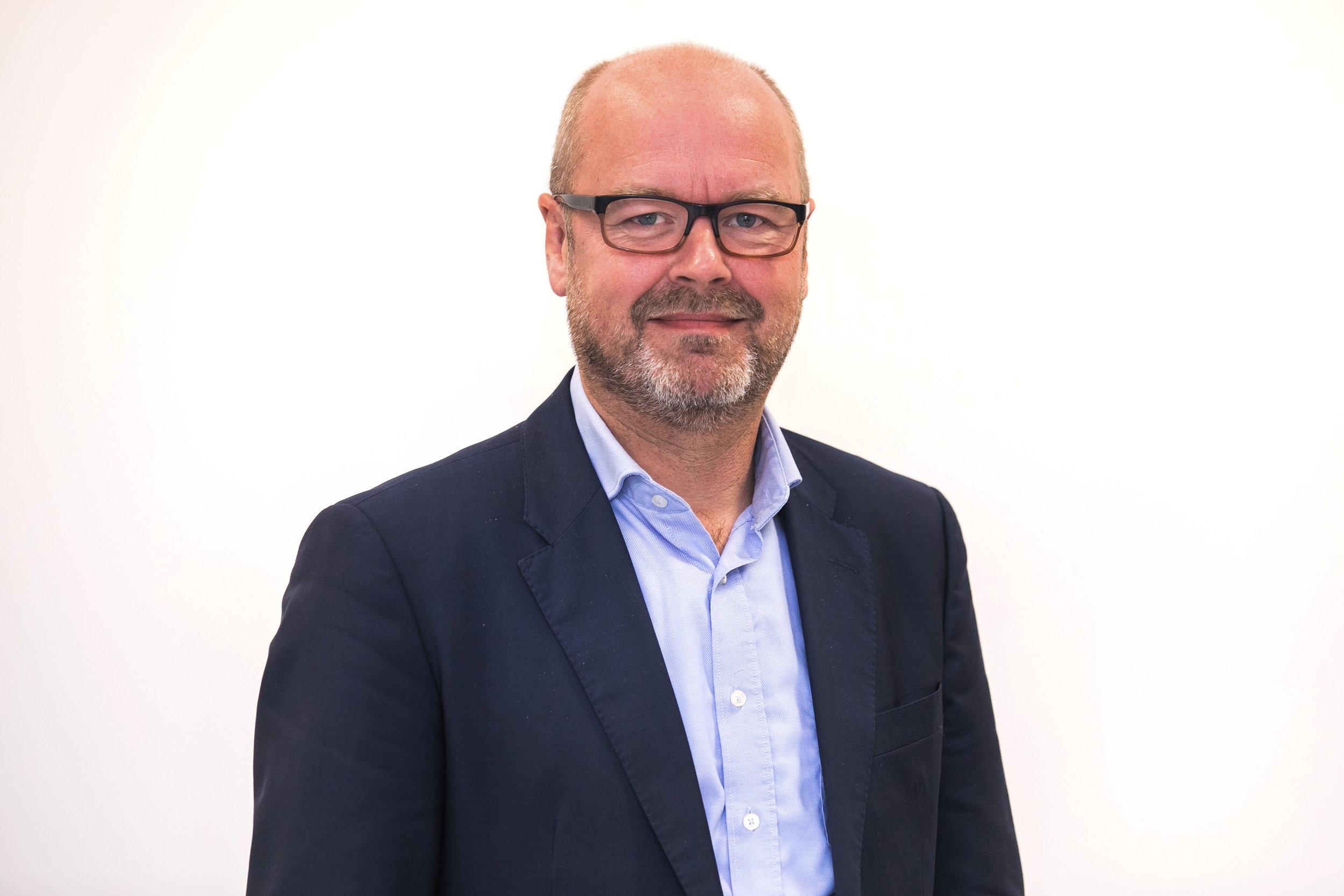 Stefan Joris - Adviserend lid. Stefan is sinds 3 jaar de Algemeen Directeur van de Mucovereniging, de nationale patiëntenvereniging voor mensen met mucoviscidose. Hij is ook actief binnen verschillende organisaties op Europees niveau.