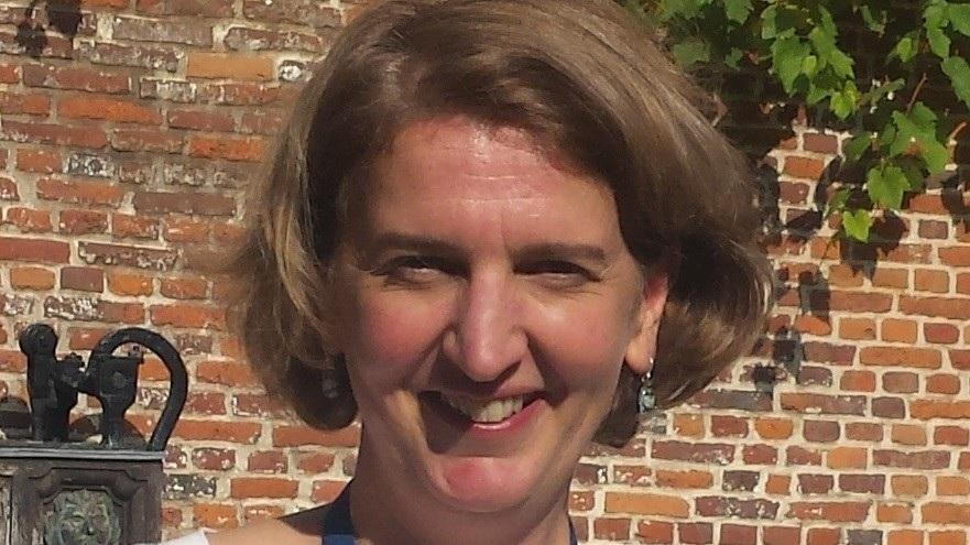 Eva Schoeters - Coördinator. Eva is ook voorzitter van be-TSC, de Belgische vereniging voor wie (mee)leeft met Tubereuze Sclerose Complex. Ze heeft een zoontje, Pepijn (9 jaar) met TSC .