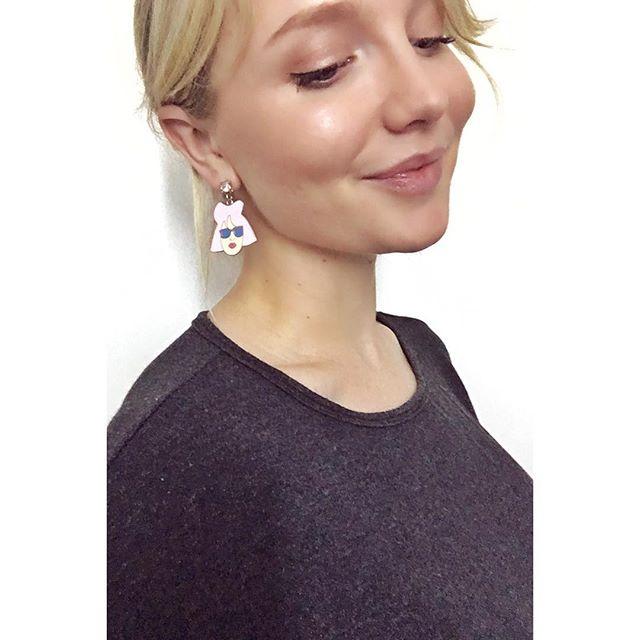 Feeling feminist AF in these earrings...💖 #Melbourne #Vintage