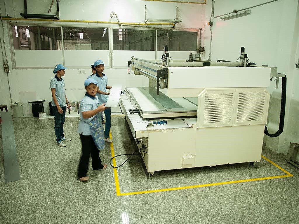 Morio has evolved with the times but has a balanced use of both screen and inkjet technologies