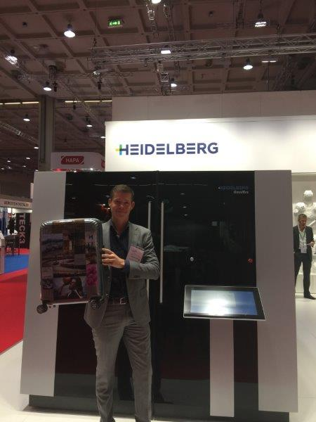 Frank Janssen at InPrint 2016 in Milan in front of the Omnifire 1000