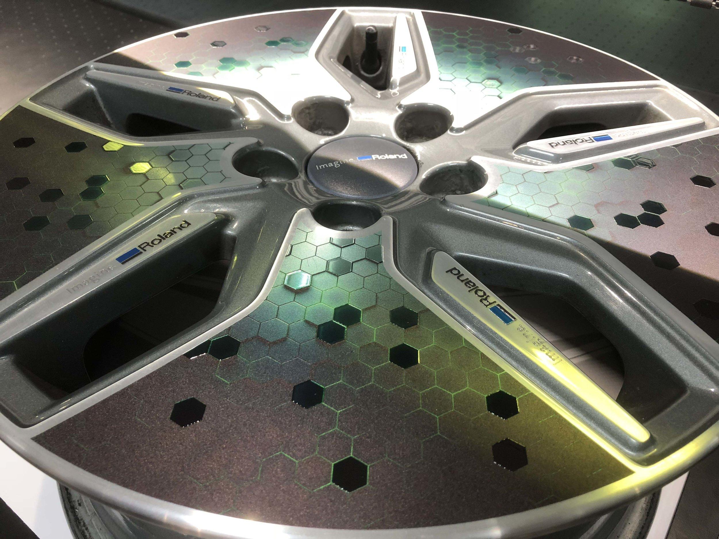 Alloy wheel rim printed on the S-Series