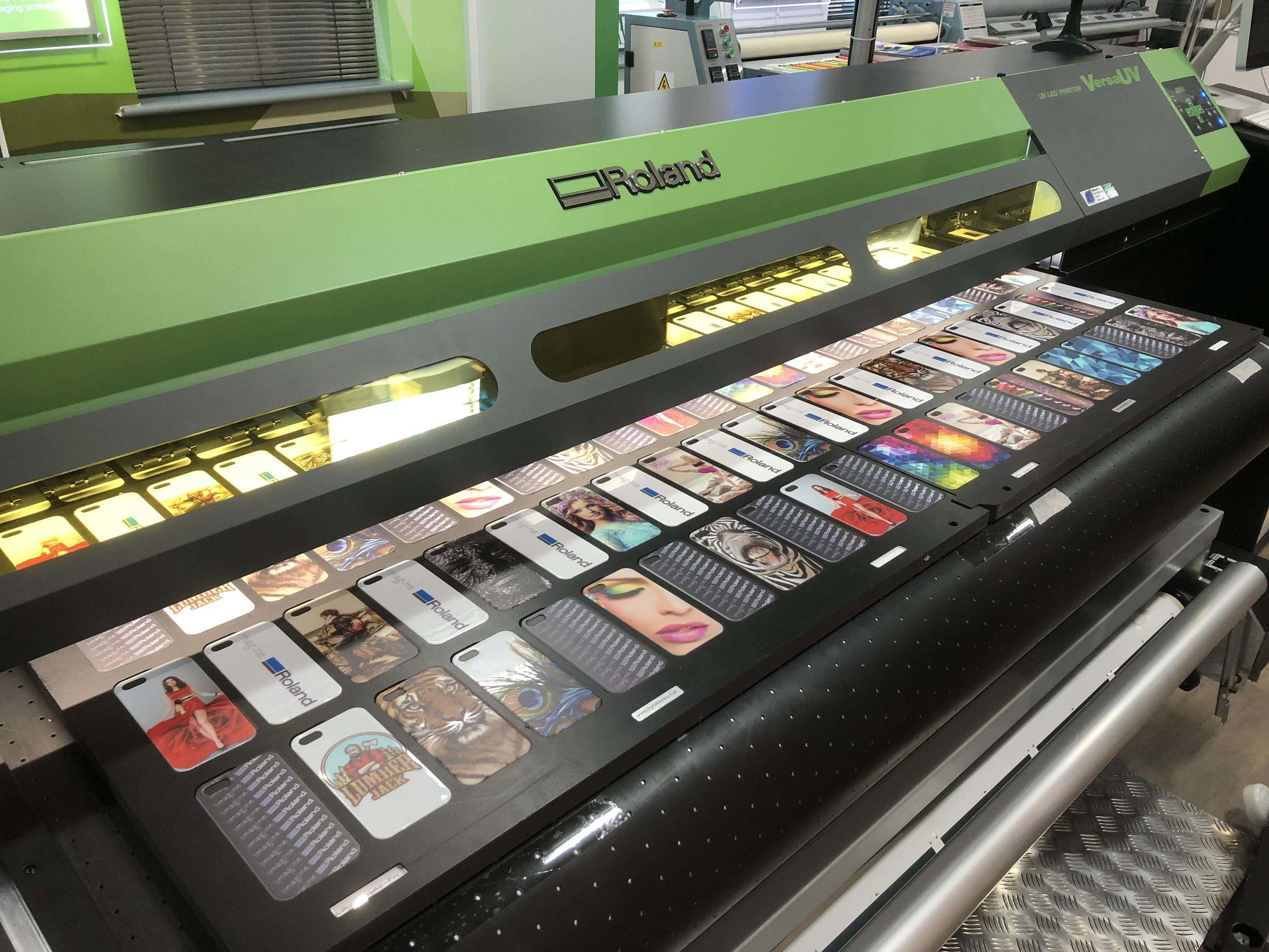Printing onto phone covers on the VersaUV S-Series printer