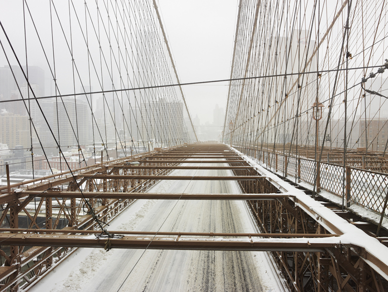 BROOKLYN BRIDGE, MANHATTAN, NEW YORK  ARCHIVAL PIGMENT PRINT  ED.: 7  85.5 x 108.5 CM / 33 2/3 x 42 3/4 IN