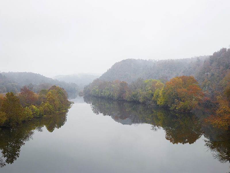 JOSEF HOFLEHNER  JAMES RIVER, VIRGINIA  ARCHIVAL PIGMENT PRINT  ED.: 7  85.5 x 108.5 CM / 33 2/3 x 42 3/4 IN