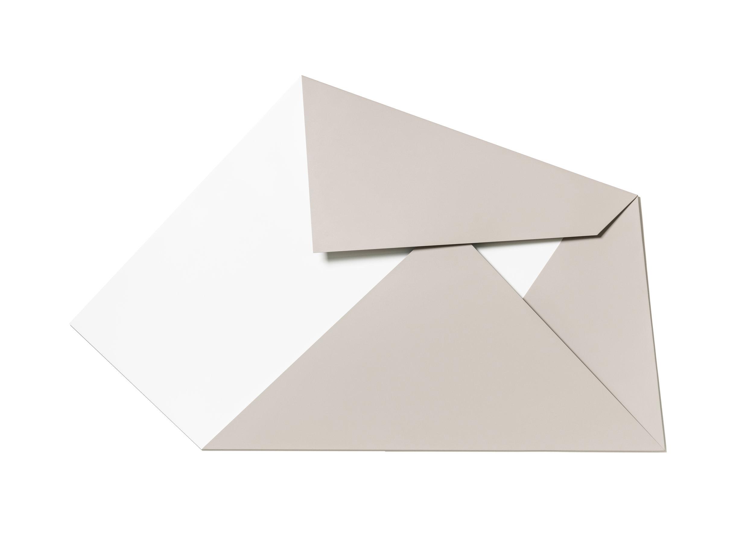 XL Folded Flat White & Chestnut 02 S-1144 b.jpg