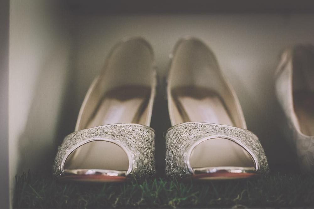 boo-bridal-boutique-hartley-wintney-hampshire-wedding-photographer-22.jpg