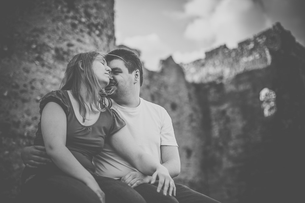 hannah-richard-portchester-castle-engagement-hampshire-wedding-photographer-11.jpg